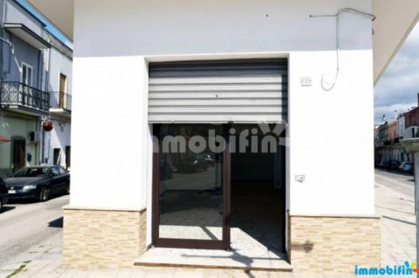 Negozio / Locale in affitto a Oria, 1 locali, prezzo € 500 | Cambio Casa.it