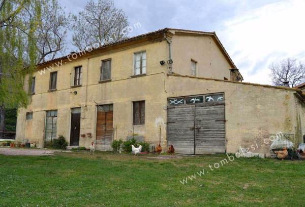 Rustico / Casale in vendita a Pergola, 6 locali, prezzo € 150.000 | Cambio Casa.it