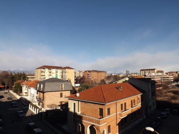 Bilocale Torino Via Gradisca 5