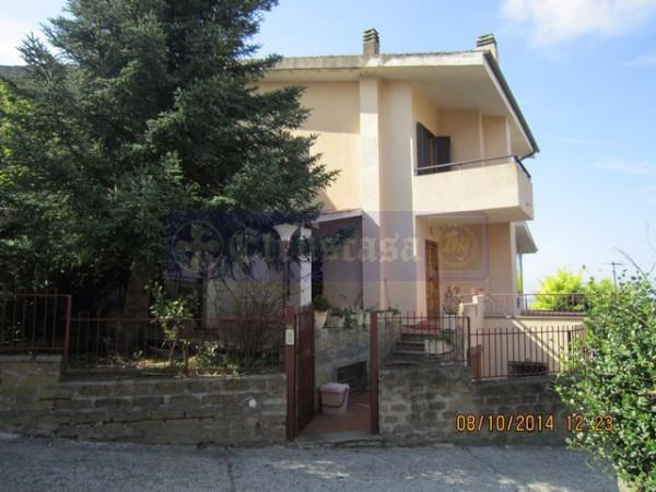 Villa in vendita a Tarquinia, 6 locali, prezzo € 320.000 | Cambio Casa.it