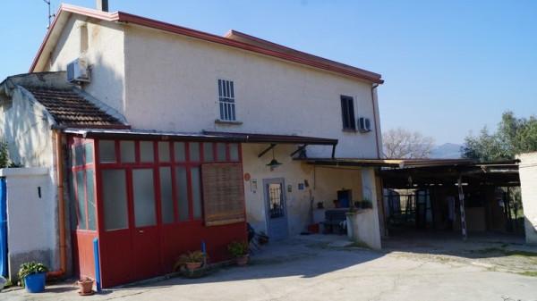 Rustico / Casale in vendita a Caiazzo, 5 locali, prezzo € 125.000 | Cambio Casa.it