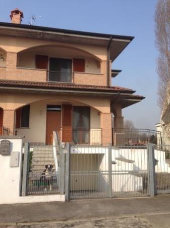 Villa a Schiera in vendita a Sant'Angelo Lodigiano, 4 locali, prezzo € 195.000 | Cambio Casa.it