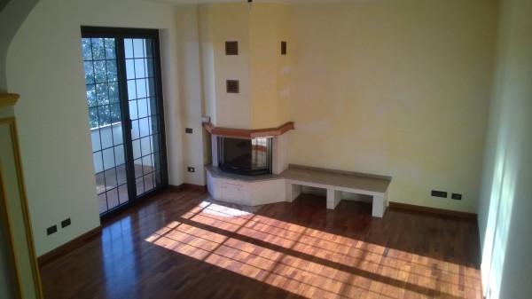 Villa in vendita a Cassano Magnago, 5 locali, prezzo € 360.000 | CambioCasa.it