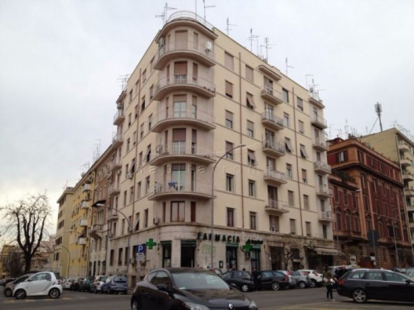 Appartamento in Vendita a Roma 12 San Giovanni / Re di Roma: 4 locali, 120 mq