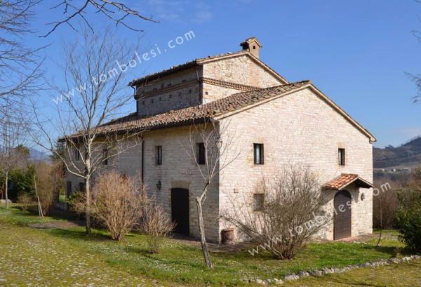 Rustico / Casale in vendita a Cagli, 6 locali, prezzo € 950.000 | CambioCasa.it