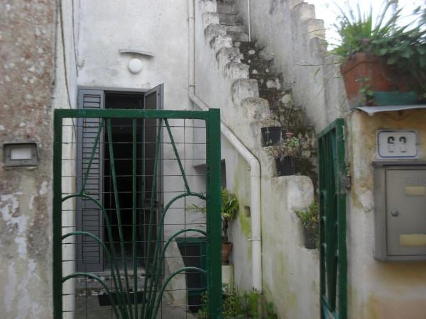 Bilocale Botrugno Via Cesare Battisti 1