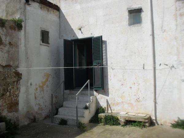 Bilocale Botrugno Via Cesare Battisti 7