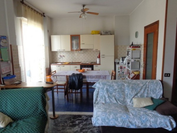 Appartamento in affitto a Pesaro, 3 locali, prezzo € 500 | Cambio Casa.it