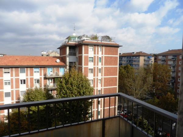 Bilocale Milano Viale Campania 10