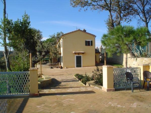 Villa in vendita a Civitanova Marche, 3 locali, Trattative riservate | Cambio Casa.it