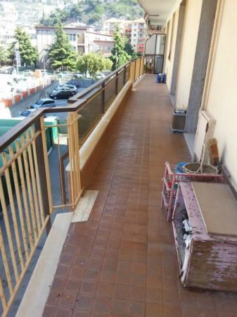 Appartamento in vendita a Ventimiglia, 6 locali, prezzo € 250.000 | Cambio Casa.it