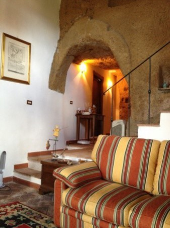 Appartamento in vendita a Pitigliano, 2 locali, prezzo € 120.000   Cambio Casa.it