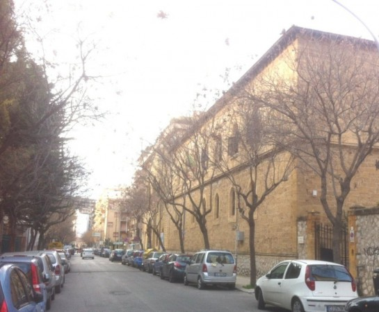 Negozio-locale in Affitto a Palermo Semicentro: 2 locali, 100 mq