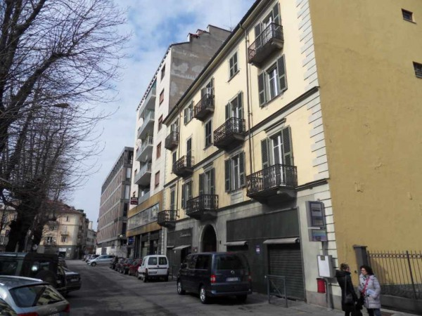 Negozio / Locale in affitto a Biella, 2 locali, prezzo € 1.000 | Cambio Casa.it