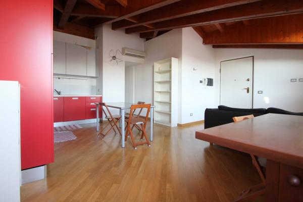 Bilocale Milano Via Cesare Ajraghi 2