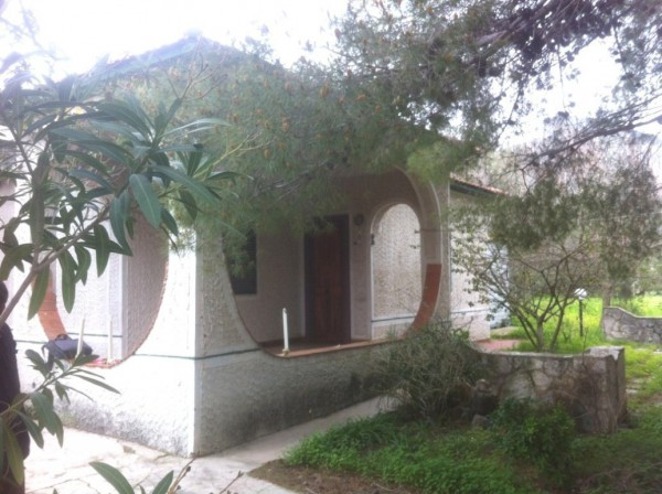 Villa in Vendita a Carini Semicentro: 3 locali, 80 mq