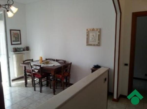 Bilocale Bernareggio Via Emilia 6