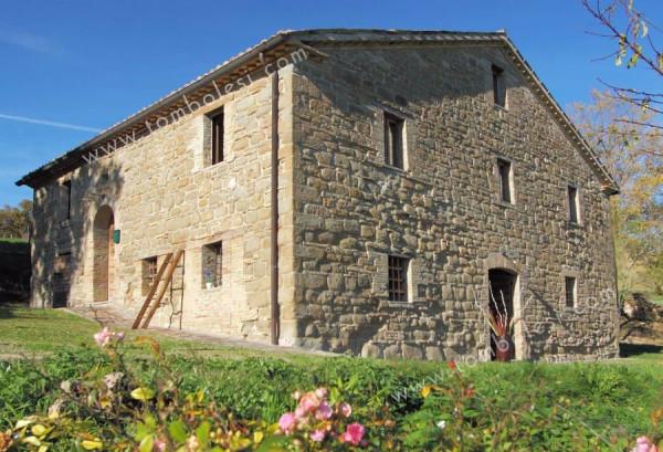 Rustico / Casale in vendita a Pergola, 6 locali, prezzo € 490.000 | CambioCasa.it