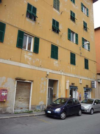 Bilocale Genova Via Antonio Burlando 1