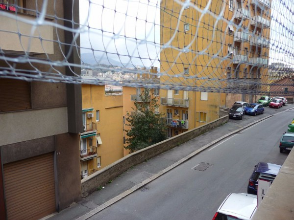 Bilocale Genova Via Antonio Burlando 3