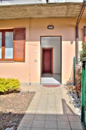 Bilocale Trezzano Rosa Via Roma 11