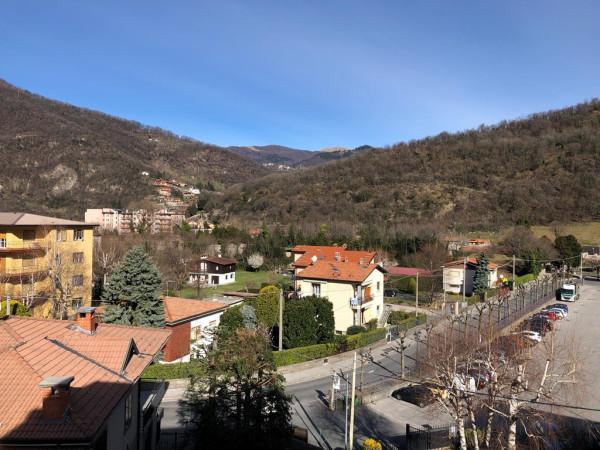Appartamento in vendita a Canzo, 2 locali, prezzo € 89.000 | Cambio Casa.it