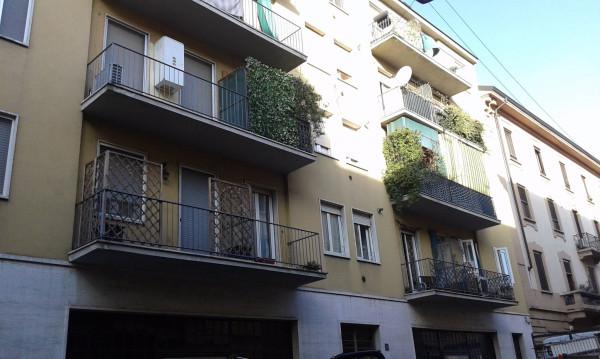 Bilocale Milano Via Andrea Ponti 1