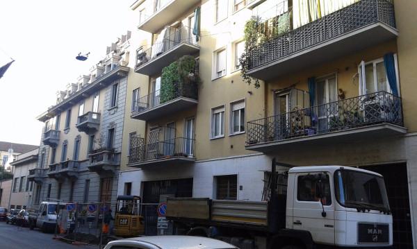 Bilocale Milano Via Andrea Ponti 2