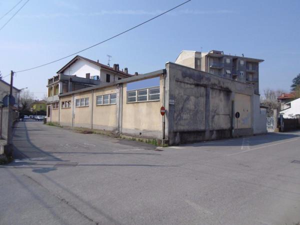 Capannone in Vendita a Strambino Centro: 4 locali, 250 mq