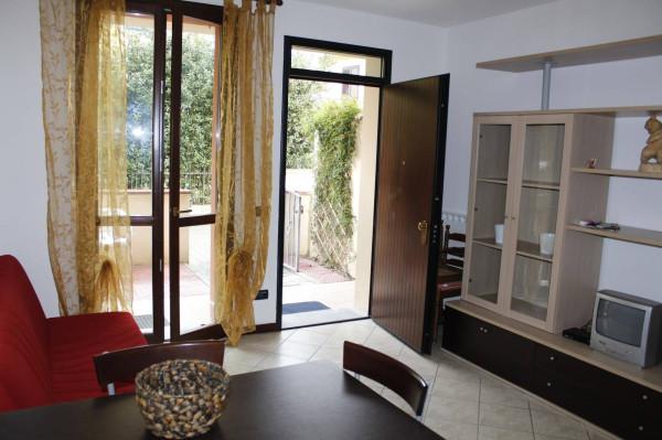 Bilocale Lucca Via Per Corte Sandorini 2