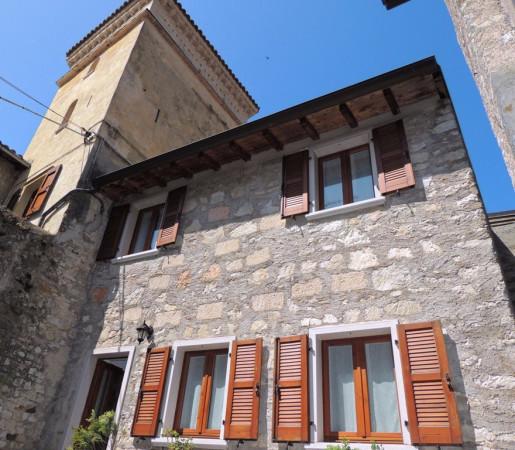 Soluzione Indipendente in vendita a Brenzone, 3 locali, prezzo € 185.000 | Cambio Casa.it