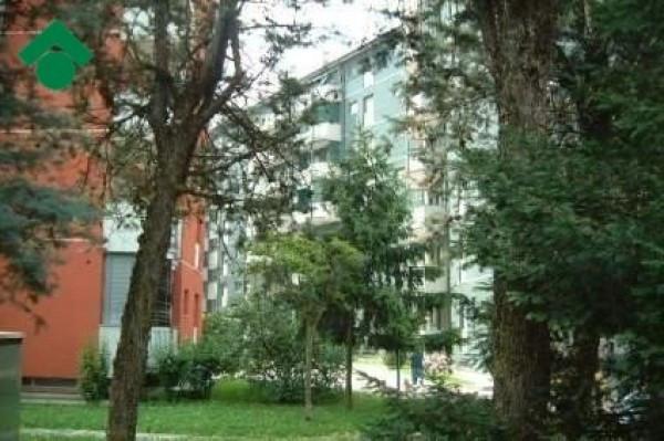 Bilocale Milano Via Romualdo Bonfadini 1