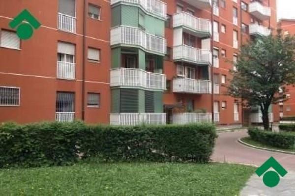 Bilocale Milano Via Romualdo Bonfadini 3