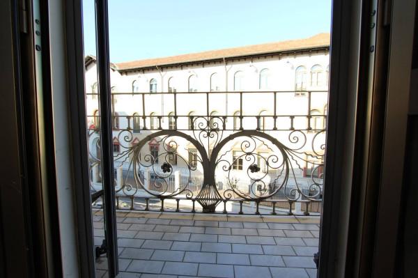 Bilocale Milano Viale Sarca 6