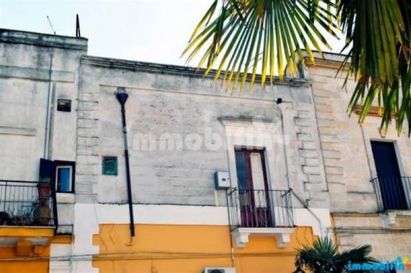Appartamento in vendita a Oria, 6 locali, prezzo € 55.000 | Cambio Casa.it
