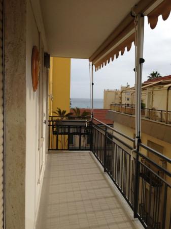 Appartamento in vendita a Taggia, 2 locali, prezzo € 245.000 | Cambio Casa.it