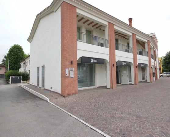 Negozio / Locale in affitto a Vicenza, 1 locali, prezzo € 950 | Cambio Casa.it