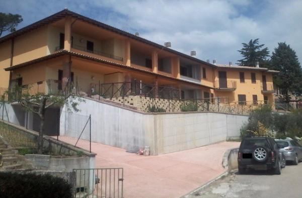 Appartamento in Vendita a Passignano Sul Trasimeno: 3 locali, 60 mq