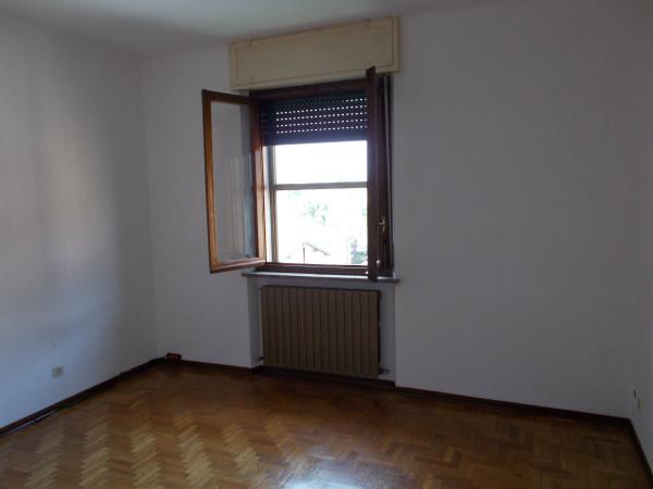 Appartamento in vendita a Fara Gera d'Adda, 2 locali, prezzo € 60.000 | Cambio Casa.it
