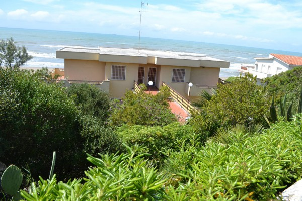 Appartamento in vendita a Anzio, 6 locali, prezzo € 350.000 | Cambio Casa.it