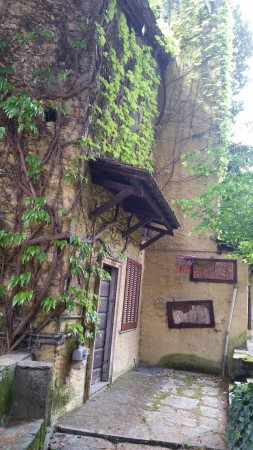 Villa in Vendita a Sondrio