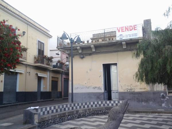 Palazzo / Stabile in vendita a Fiumefreddo di Sicilia, 6 locali, prezzo € 290.000 | Cambio Casa.it