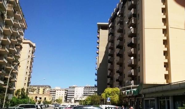 Magazzino in Affitto a Palermo Semicentro: 2 locali, 25 mq