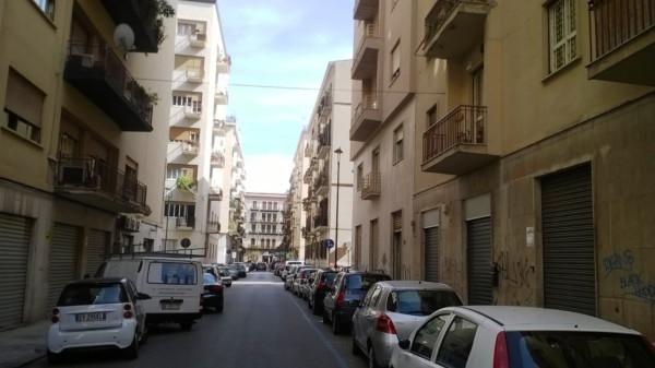 Negozio / Locale in affitto a Palermo, 2 locali, prezzo € 300 | Cambio Casa.it