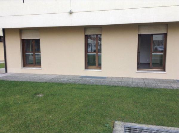 Ufficio / Studio in affitto a Bassano del Grappa, 6 locali, prezzo € 900 | Cambio Casa.it