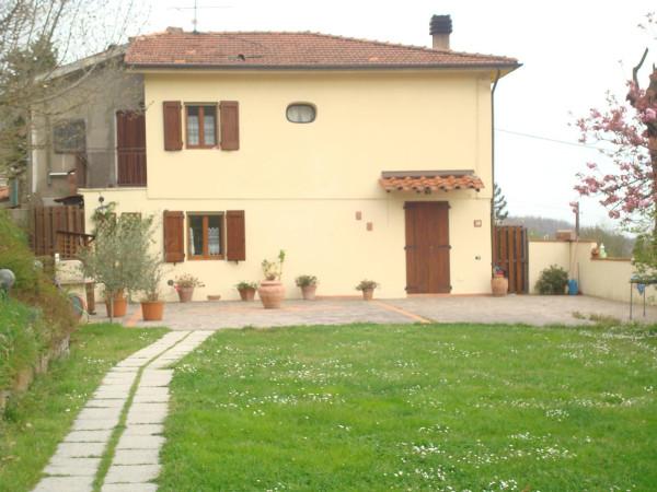 Soluzione Indipendente in vendita a Pistoia, 6 locali, prezzo € 240.000 | Cambio Casa.it