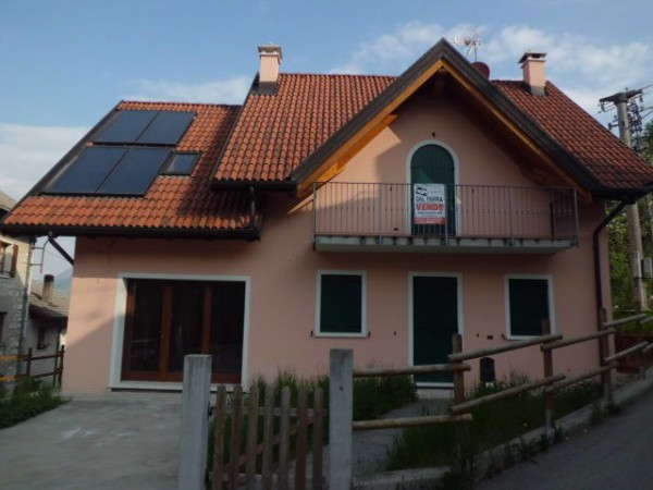 Villa in vendita a Tambre, 4 locali, Trattative riservate | CambioCasa.it