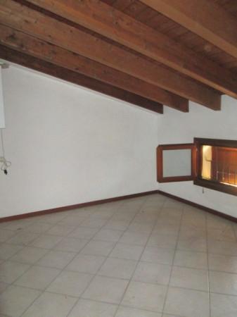 Appartamento in Affitto a Correggio Periferia: 3 locali, 60 mq