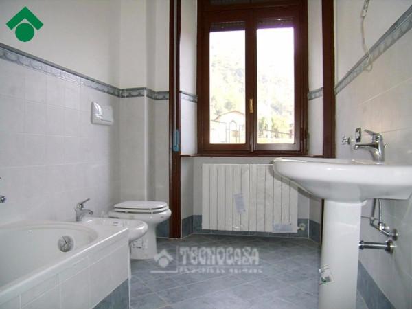 Bilocale Valbrona Via Roma 12