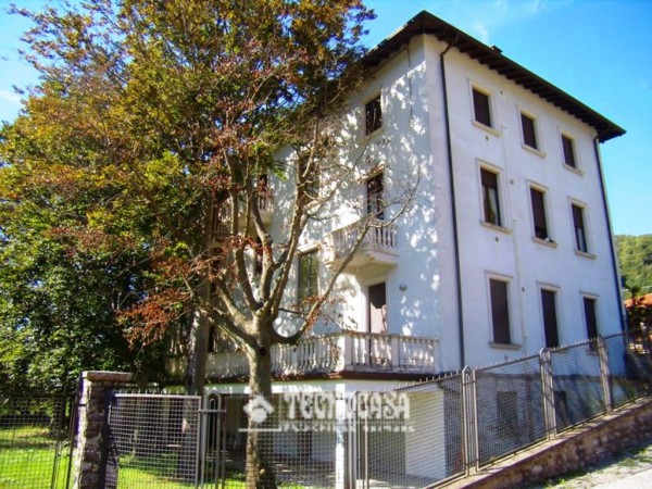 Bilocale Valbrona Via Roma 2